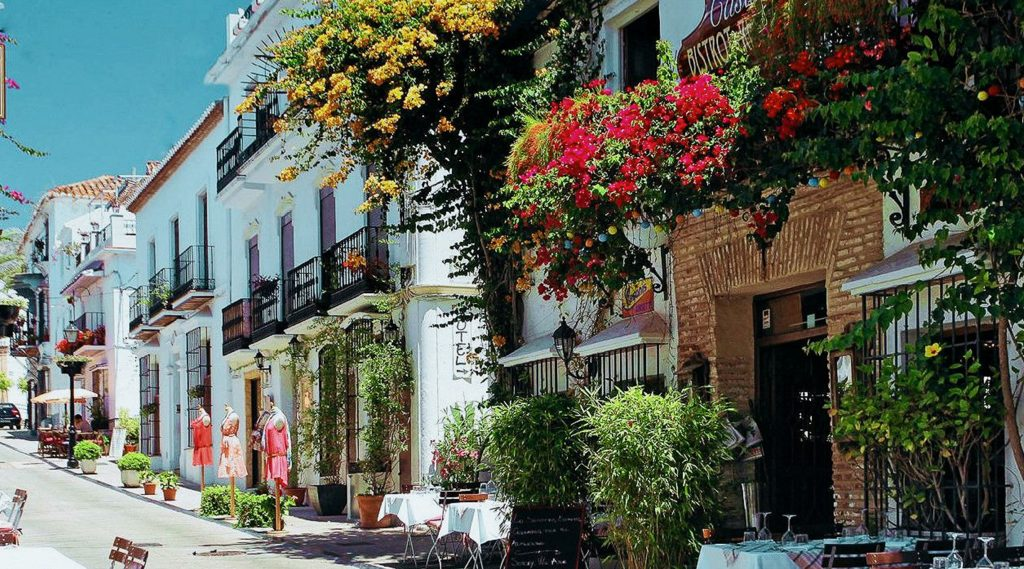 Why choose Marbella to Study Hospitality Management?