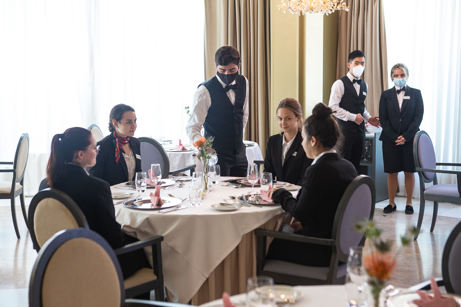 Les Roches Marbella Clases Prácticas en Formación Hotelera