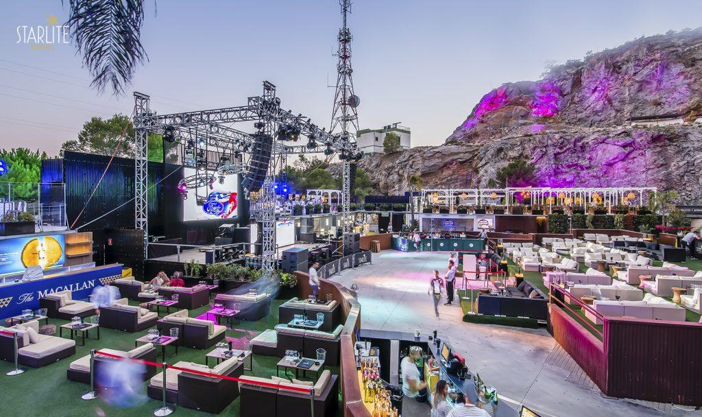Zona lounge en uno de los escenarios del Starlite Marbella 2020.