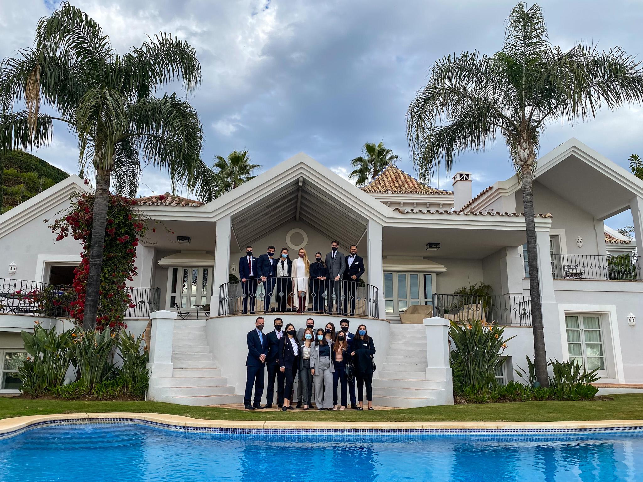 Los alumnos del Máster en Dirección de Marketing para el Turismo de Lujo visitan La Zagaleta (2021).